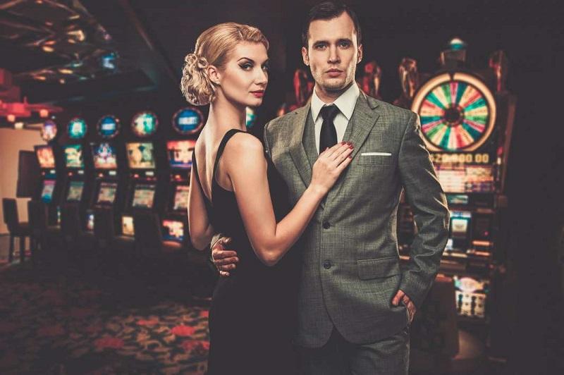 casino, couple, blond woman